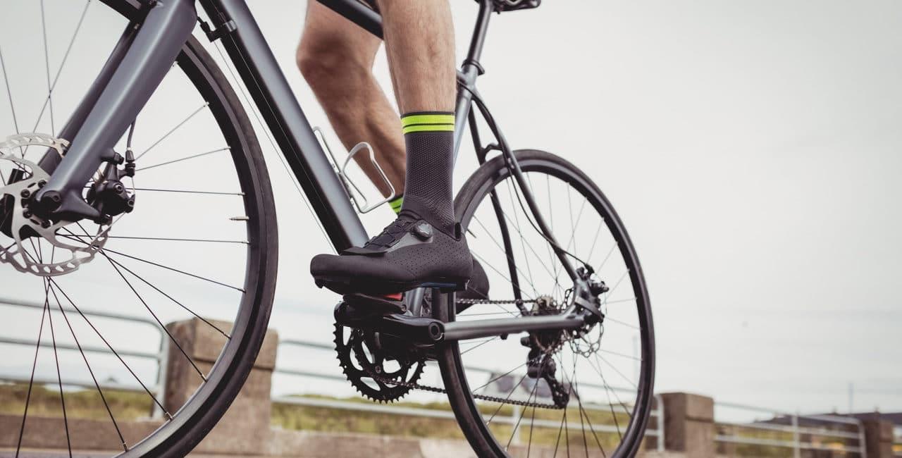 bicicleta em ciclovia com ecopavimento